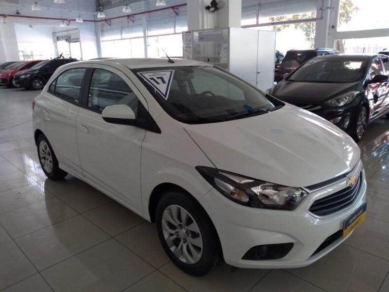 //www.autoline.com.br/carro/chevrolet/onix-14-lt-8v-flex-4p-automatico/2017/sao-paulo-sp/11962054