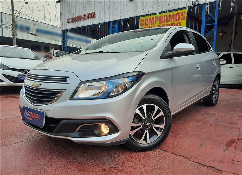 //www.autoline.com.br/carro/chevrolet/onix-14-ltz-8v-flex-4p-automatico/2015/campinas-sp/12418130