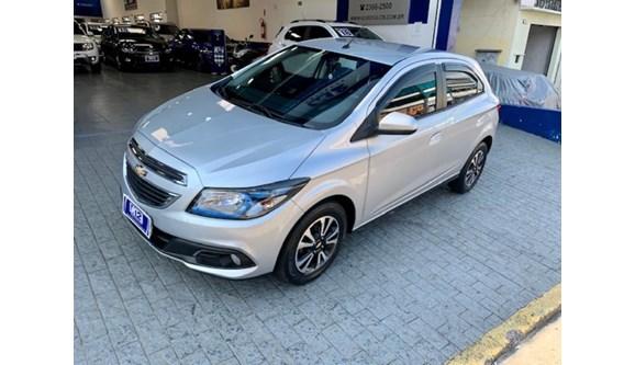 //www.autoline.com.br/carro/chevrolet/onix-14-ltz-8v-flex-4p-manual/2014/sao-paulo-sp/12753740
