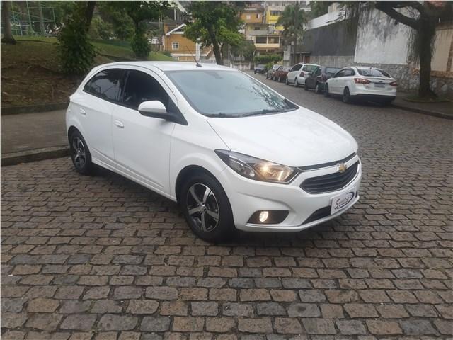 //www.autoline.com.br/carro/chevrolet/onix-14-ltz-8v-flex-4p-automatico/2019/rio-de-janeiro-rj/12836738