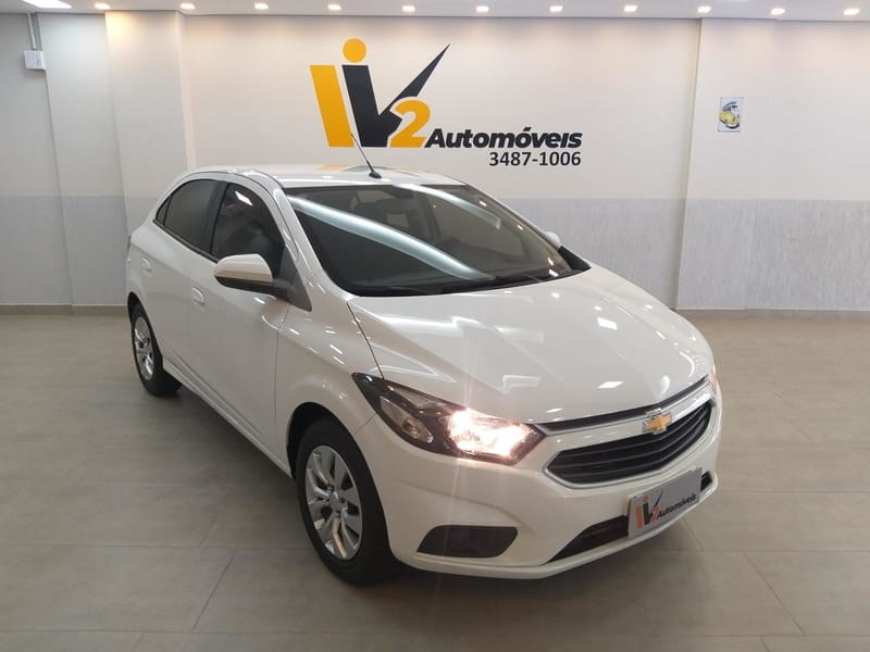 //www.autoline.com.br/carro/chevrolet/onix-14-lt-8v-flex-4p-manual/2017/brasilia-df/12906523
