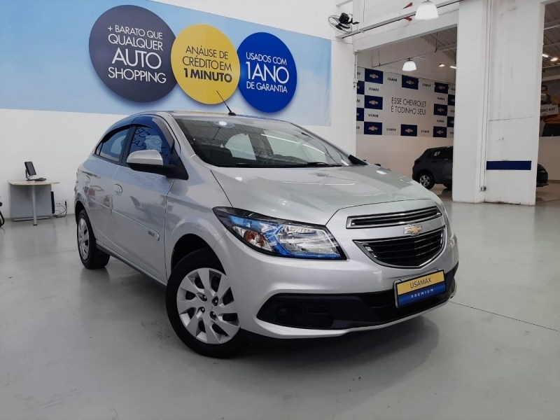 //www.autoline.com.br/carro/chevrolet/onix-14-lt-8v-flex-4p-manual/2015/sao-paulo-sp/12932949