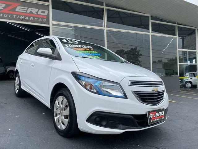 //www.autoline.com.br/carro/chevrolet/onix-14-lt-8v-flex-4p-automatico/2016/sao-paulo-sp/12973489