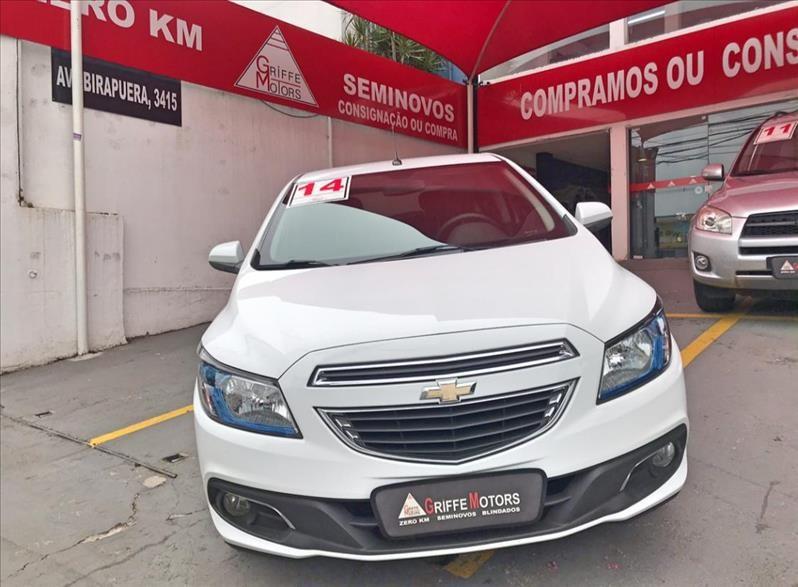 //www.autoline.com.br/carro/chevrolet/onix-14-ltz-8v-flex-4p-manual/2014/sao-paulo-sp/13016667