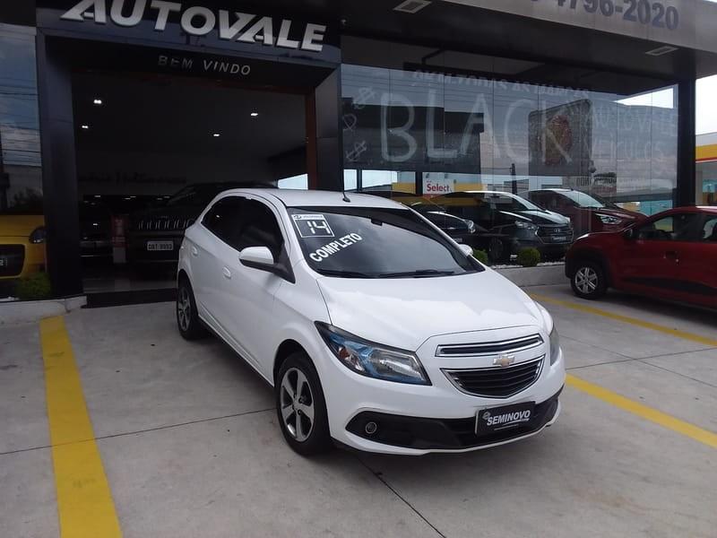 //www.autoline.com.br/carro/chevrolet/onix-14-lt-8v-flex-4p-manual/2014/mogi-das-cruzes-sp/13144412