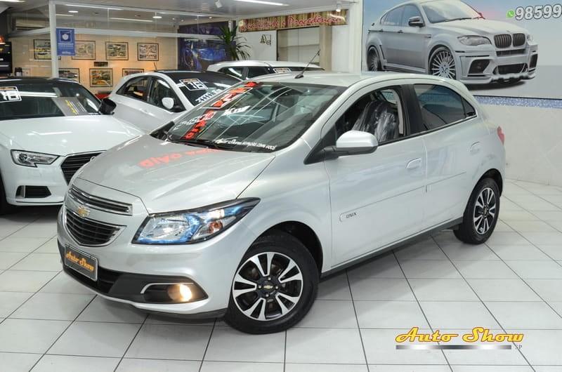 //www.autoline.com.br/carro/chevrolet/onix-14-ltz-8v-flex-4p-automatico/2014/sao-paulo-sp/13172761