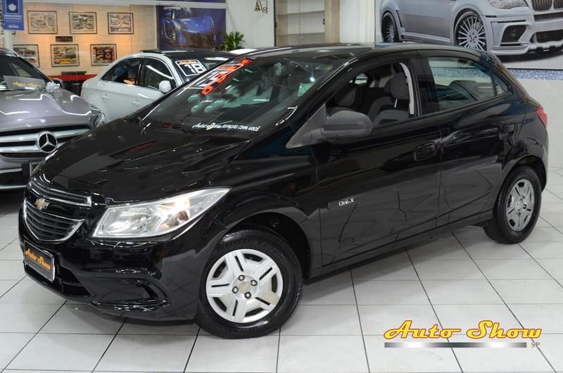 //www.autoline.com.br/carro/chevrolet/onix-10-lt-8v-flex-4p-manual/2015/sao-paulo-sp/13174757
