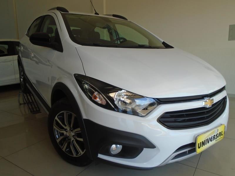//www.autoline.com.br/carro/chevrolet/onix-14-activ-8v-flex-4p-manual/2018/tres-passos-rs/13444564