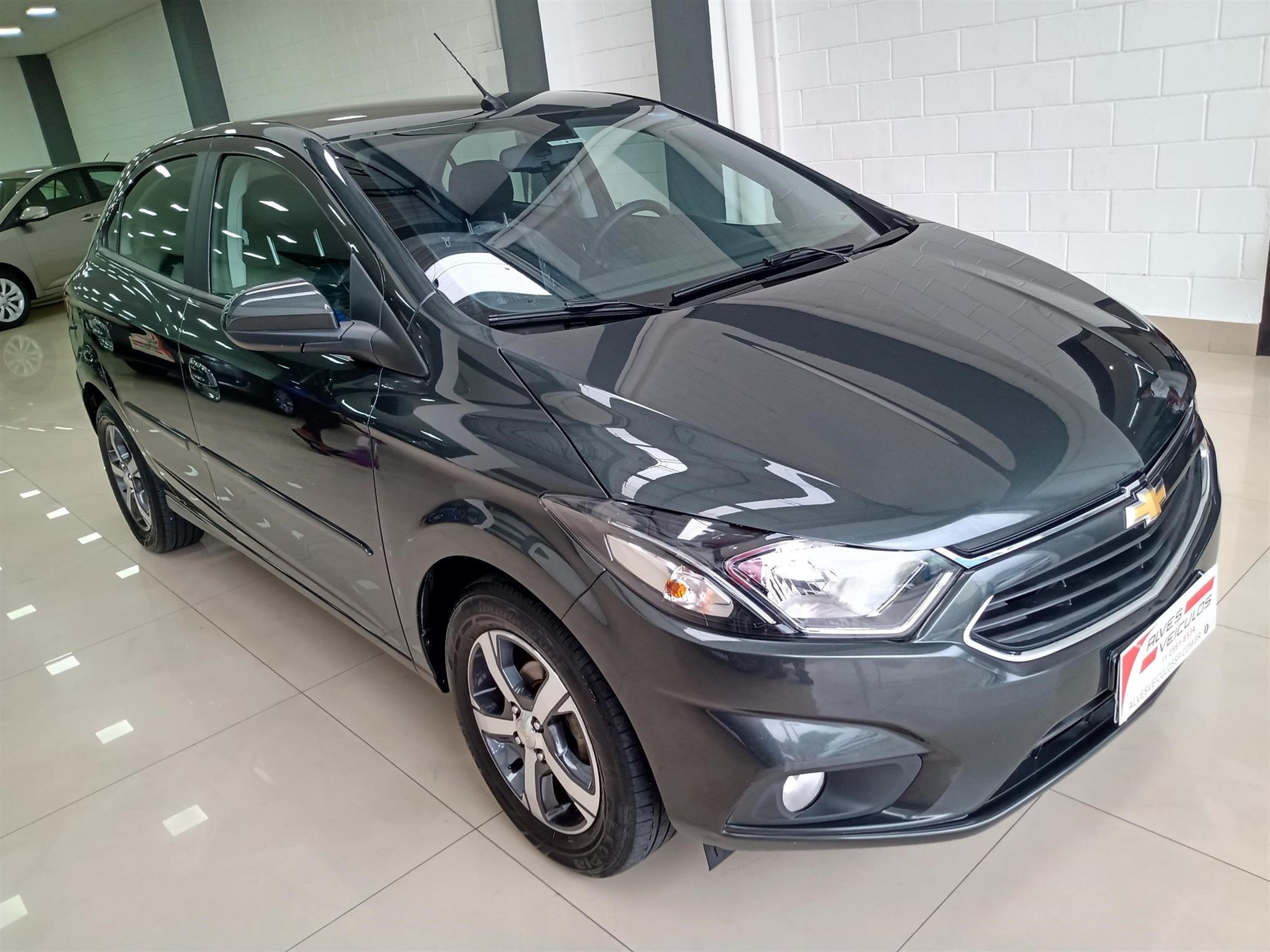 //www.autoline.com.br/carro/chevrolet/onix-14-ltz-8v-flex-4p-manual/2018/sao-paulo-sp/13582852
