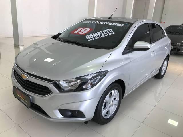 //www.autoline.com.br/carro/chevrolet/onix-14-ltz-8v-flex-4p-automatico/2019/sao-paulo-sp/13642615