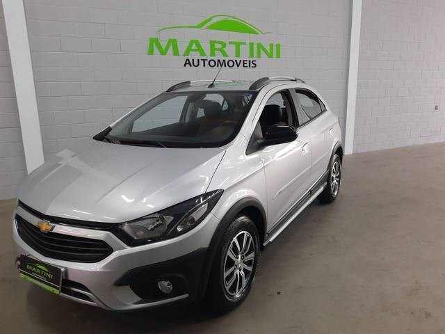 //www.autoline.com.br/carro/chevrolet/onix-14-activ-8v-flex-4p-automatico/2018/jundiai-sp/13918200