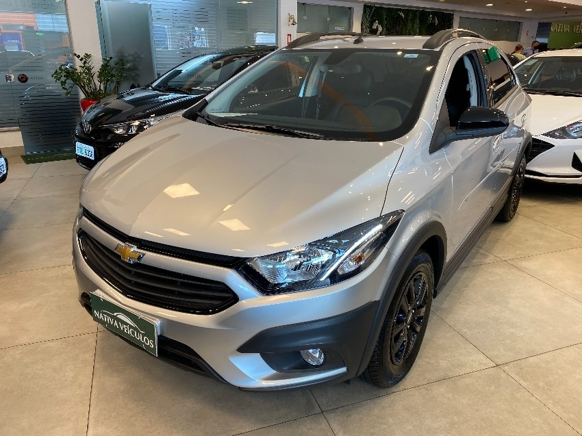 //www.autoline.com.br/carro/chevrolet/onix-14-activ-8v-flex-4p-automatico/2019/jundiai-sp/14043638