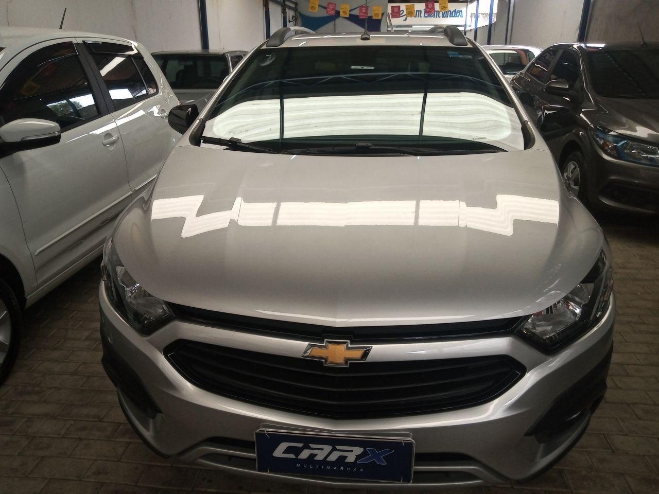 //www.autoline.com.br/carro/chevrolet/onix-14-activ-8v-flex-4p-automatico/2019/salto-sp/14437524