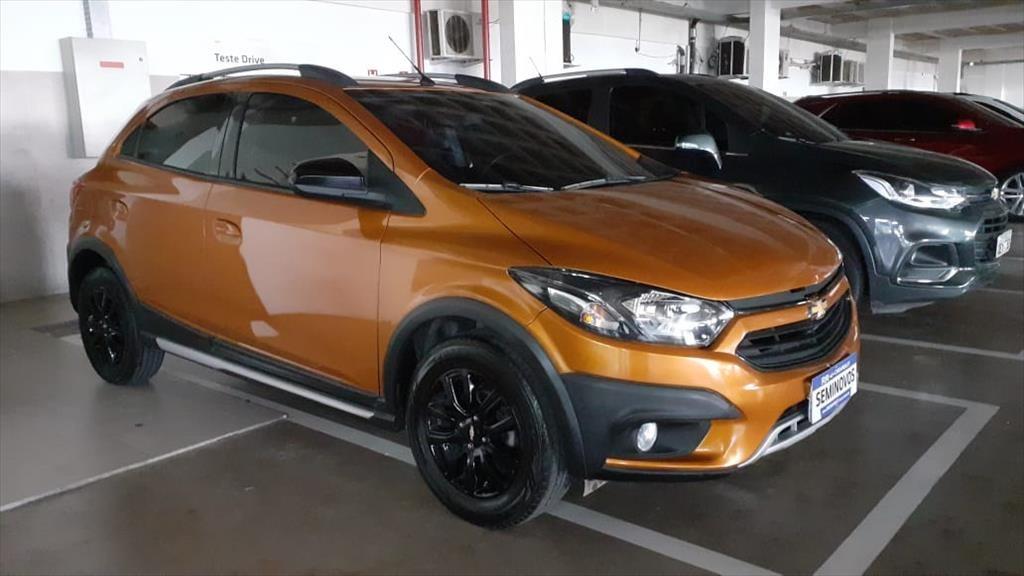 //www.autoline.com.br/carro/chevrolet/onix-14-activ-8v-flex-4p-automatico/2019/belem-pa/14682452