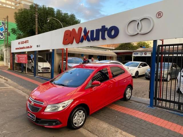 //www.autoline.com.br/carro/chevrolet/onix-10-lt-8v-flex-4p-manual/2013/chapeco-sc/14742909