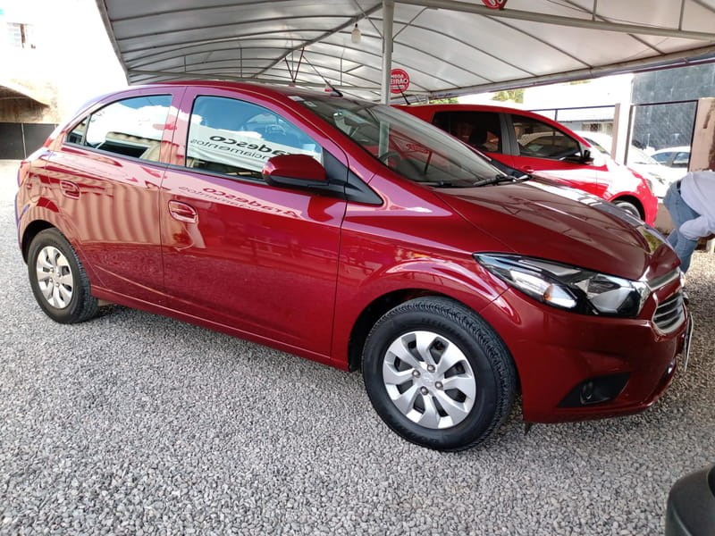 //www.autoline.com.br/carro/chevrolet/onix-10-lt-8v-flex-4p-manual/2019/luis-eduardo-magalhaes-ba/14760384