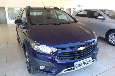 //www.autoline.com.br/carro/chevrolet/onix-14-activ-8v-flex-4p-automatico/2018/araguaina-to/14779594