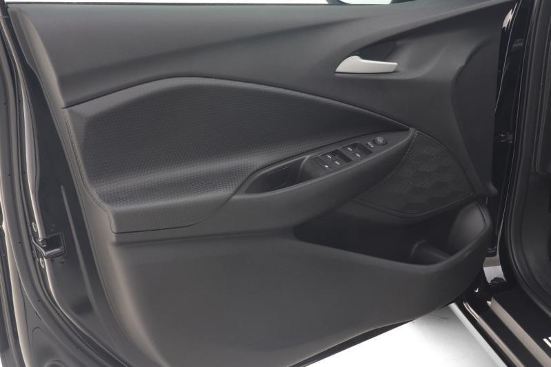 //www.autoline.com.br/carro/chevrolet/onix-10-turbo-premier-12v-flex-4p-automatico/2021/recife-pe/14847215