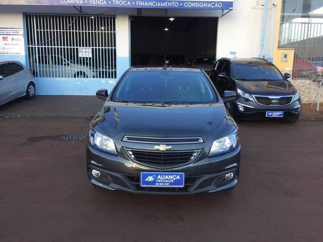 //www.autoline.com.br/carro/chevrolet/onix-14-ltz-8v-flex-4p-automatico/2016/quirinopolis-go/14878192