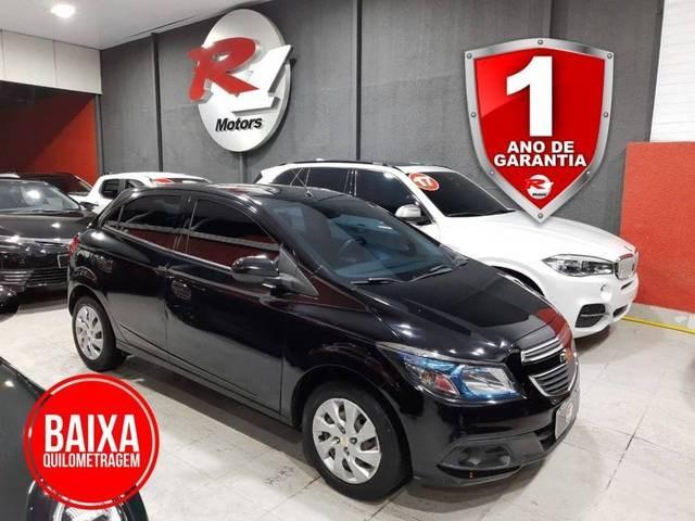 //www.autoline.com.br/carro/chevrolet/onix-14-lt-8v-flex-4p-manual/2016/sao-paulo-sp/14892400