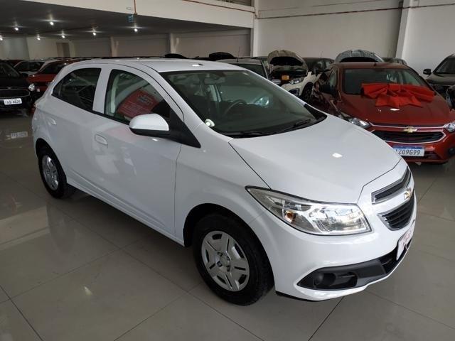 //www.autoline.com.br/carro/chevrolet/onix-10-lt-8v-flex-4p-manual/2014/porto-alegre-rs/14929594