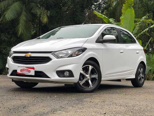 //www.autoline.com.br/carro/chevrolet/onix-14-ltz-8v-flex-4p-automatico/2017/blumenau-sc/14939962