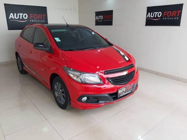 //www.autoline.com.br/carro/chevrolet/onix-14-effect-8v-flex-4p-manual/2015/brasilia-df/14987110