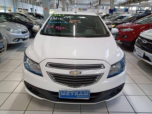 //www.autoline.com.br/carro/chevrolet/onix-10-lt-8v-flex-4p-manual/2013/guarulhos-sp/15162287
