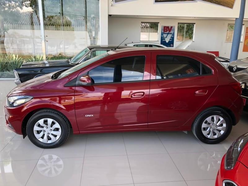 //www.autoline.com.br/carro/chevrolet/onix-10-lt-8v-flex-4p-manual/2018/eunapolis-ba/15263658