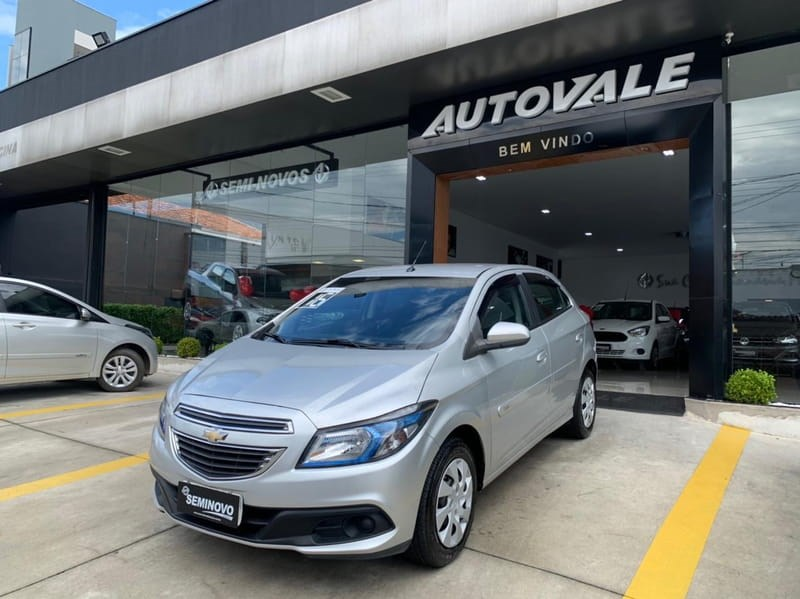 //www.autoline.com.br/carro/chevrolet/onix-14-lt-8v-flex-4p-automatico/2016/mogi-das-cruzes-sp/15268955
