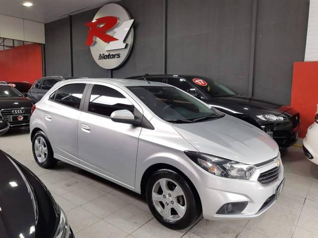 //www.autoline.com.br/carro/chevrolet/onix-14-lt-8v-flex-4p-manual/2019/sao-paulo-sp/15414503