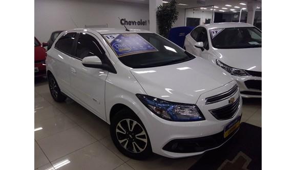 //www.autoline.com.br/carro/chevrolet/onix-14-ltz-8v-flex-4p-automatico/2015/sao-bernardo-do-campo-sp/5907073