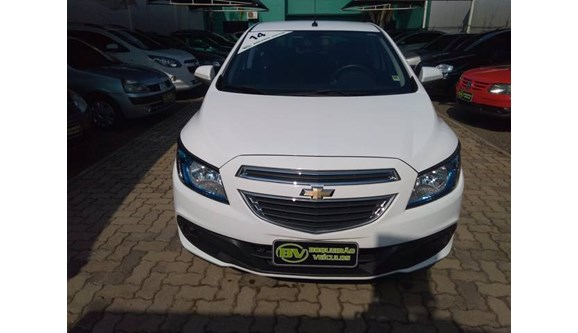 //www.autoline.com.br/carro/chevrolet/onix-14-ltz-8v-flex-4p-automatico/2014/canoas-rs/6050834
