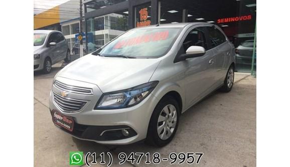 //www.autoline.com.br/carro/chevrolet/onix-14-ltz-8v-flex-4p-automatico/2016/sao-paulo-sp/4376363