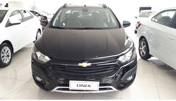 //www.autoline.com.br/carro/chevrolet/onix-14-activ-8v-flex-4p-manual/2018/sao-paulo-sp/6774134