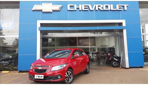 //www.autoline.com.br/carro/chevrolet/onix-14-ltz-8v-flex-4p-automatico/2014/barretos-sp/6804717
