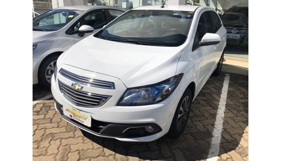 //www.autoline.com.br/carro/chevrolet/onix-14-ltz-8v-flex-4p-automatico/2016/presidente-prudente-sp/6852769