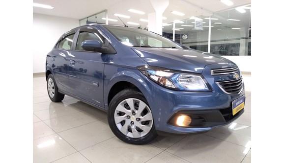 //www.autoline.com.br/carro/chevrolet/onix-14-lt-8v-flex-4p-automatico/2014/sao-bernardo-do-campo-sp/6905507