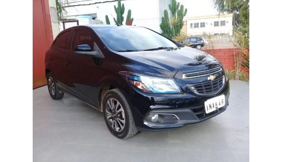 //www.autoline.com.br/carro/chevrolet/onix-14-ltz-8v-flex-4p-manual/2015/porto-alegre-rs/7008007