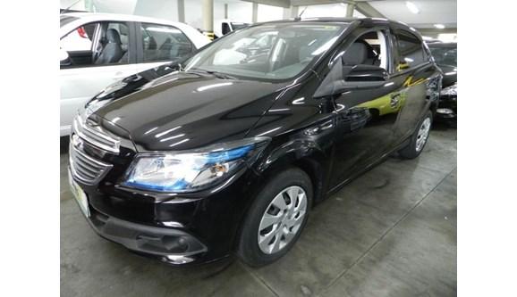 //www.autoline.com.br/carro/chevrolet/onix-14-lt-8v-flex-4p-manual/2013/sorocaba-sp/7011661