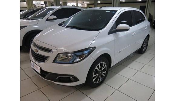 //www.autoline.com.br/carro/chevrolet/onix-14-ltz-8v-flex-4p-automatico/2015/sao-jose-do-rio-preto-sp/7926452