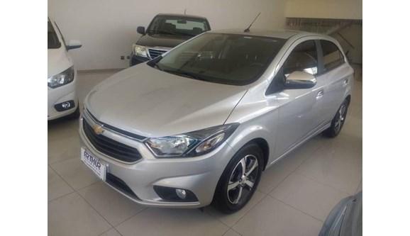 //www.autoline.com.br/carro/chevrolet/onix-14-ltz-8v-flex-4p-automatico/2018/bauru-sp/8199913