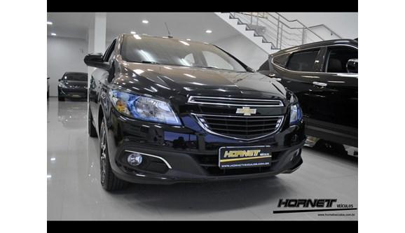 //www.autoline.com.br/carro/chevrolet/onix-14-ltz-8v-spe-4-98cv-4p-flex-automatico/2015/porto-alegre-rs/6392433