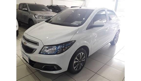 //www.autoline.com.br/carro/chevrolet/onix-14-ltz-8v-flex-4p-automatico/2016/sao-jose-do-rio-preto-sp/9176120