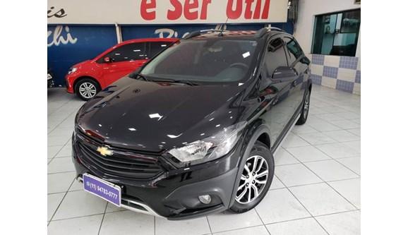 //www.autoline.com.br/carro/chevrolet/onix-14-activ-8v-flex-4p-automatico/2018/sao-paulo-sp/9329646