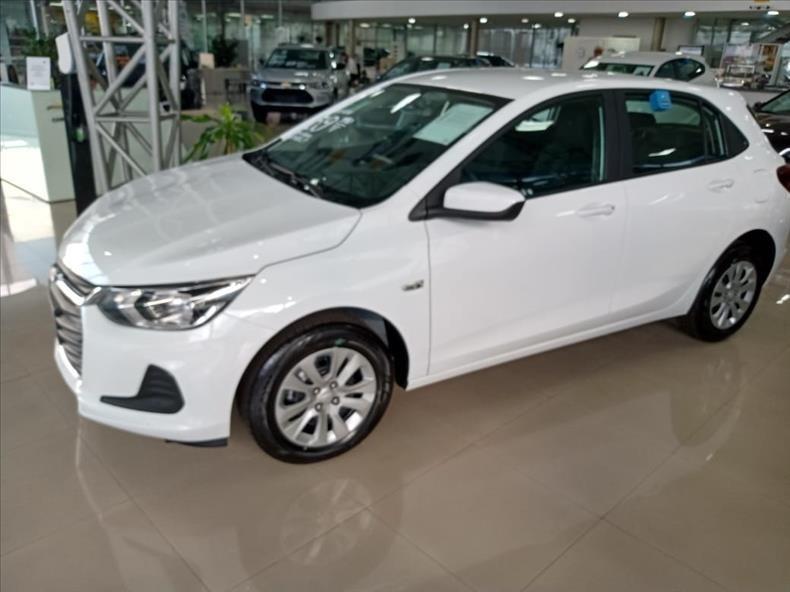 //www.autoline.com.br/carro/chevrolet/onix-plus-10-lt-12v-flex-4p-manual/2021/sao-paulo-sp/13937211