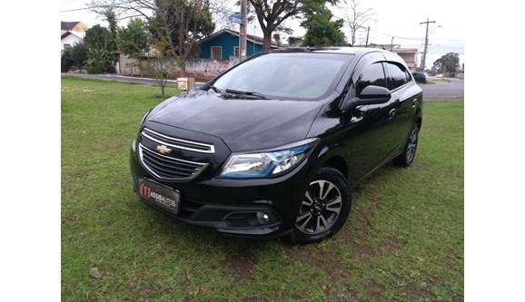 //www.autoline.com.br/carro/chevrolet/onix-14-ltz-8v-flex-4p-automatico/2014/curitiba-pr/6699254