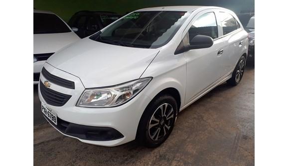 //www.autoline.com.br/carro/chevrolet/onix-10-ls-8v-flex-4p-manual/2016/aracatuba-sp/6592362