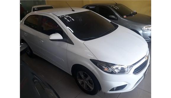 //www.autoline.com.br/carro/chevrolet/prisma-14-ltz-8v-flex-4p-automatico/2017/rio-de-janeiro-rj/11954119