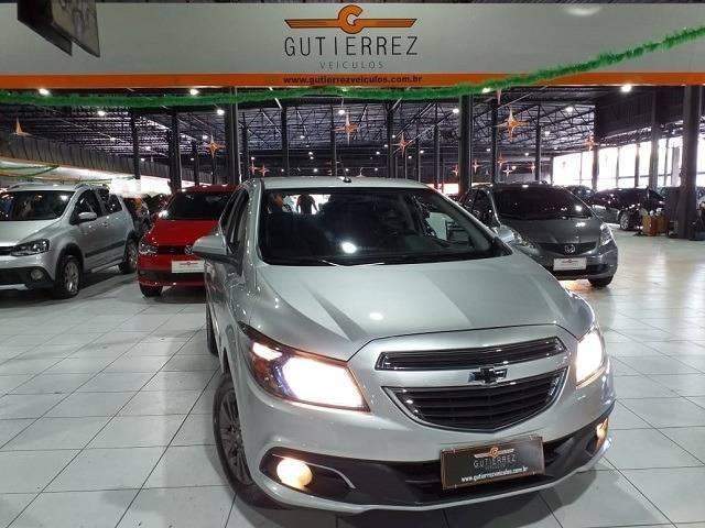 //www.autoline.com.br/carro/chevrolet/prisma-14-ltz-8v-flex-4p-automatico/2015/sao-jose-dos-campos-sp/13093996